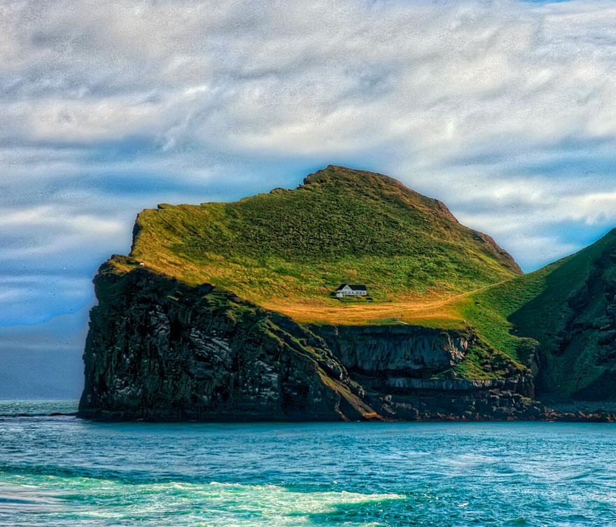 Trovare casa in Irlanda: ecco qualche sito utile! (la casa in foto si trova in realtà in ISlanda!)